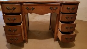 Vintage Desk in Bolingbrook, Illinois