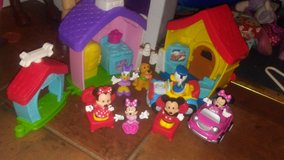 Lil people minnie amd mickey set. in Pleasant View, Tennessee