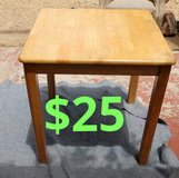 Wood end table$25 in San Bernardino, California