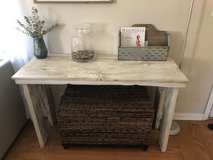 Table console sofa entry in Plainfield, Illinois