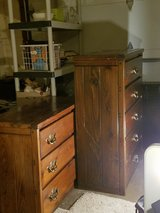 2 dressers in Oswego, Illinois