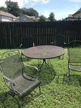 Outside Table w/chairs in Clarksville, Tennessee