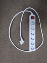 220v 6-Outlet Power Strip in Stuttgart, GE