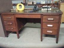 Solid Oak Desk in Leesville, Louisiana