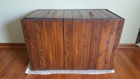 Wooden Trunk/Crate in Algonquin, Illinois