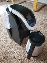 Keurig 2.0 Coffeemaker w/ Carafe in Fort Leonard Wood, Missouri