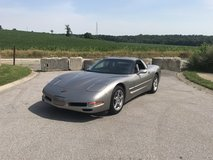 2000 Chevrolet Corvette in Fort Campbell, Kentucky