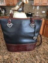 Brighton all leather purse in Naperville, Illinois