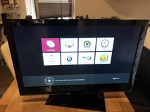 """LG TV 32"""" LED TV very light, used for a week in Ramstein, Germany"""