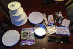 Wilton cake decorating supplies and decorating course 1 book - complete set in Yorkville, Illinois