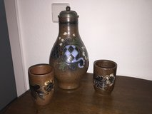 Stoneware wine carafe and 6 cups in Stuttgart, GE