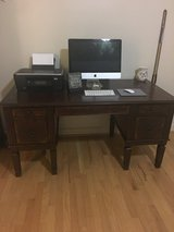 Wood computer desk in Fort Belvoir, Virginia