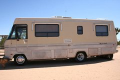 1990 Winnebago Superchief Reduced cash price for quick sale in Yucca Valley, California