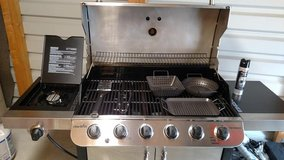 6-Burner Propane Grill and Accessories in Ramstein, Germany