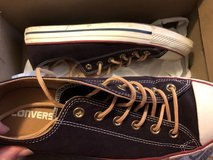 Size 10 women's converse in Fort Leonard Wood, Missouri