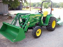 2010 John Deere 3032E 4x4 W/Loader & Mower in Kingwood, Texas