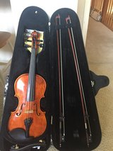 Violin 4/4(full size) 2 bows, chin rest, hard case in Houston, Texas