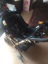 Graco click connect stroller and car seat in Lakenheath, UK