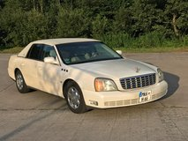 Reduceed! White Cadillac DTS Gold edition in Hohenfels, Germany