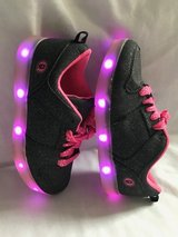 Girls lite up shoes size 3 in Chicago, Illinois