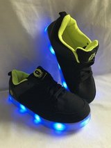 Boys lite up shoes size 5 in Chicago, Illinois