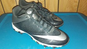 Nike Foot Ball Cleats in Cleveland, Texas