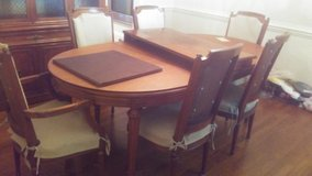 dining room table in Wilmington, North Carolina