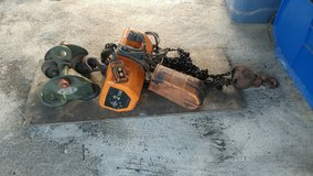 Jet 2 ton electric chain hoist with manual trolley ! (manufactured by Hitachi) in Kingwood, Texas