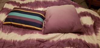 Tie die twin comforter with 2 pillows in Shorewood, Illinois