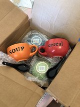 cereal/soup bowls with spoons in Fairfield, California