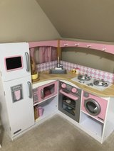 Kids kitchen in Schaumburg, Illinois