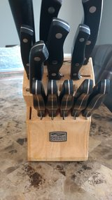 Knife set in St. Charles, Illinois