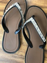 Cute girls sandals size 3-4 in Chicago, Illinois