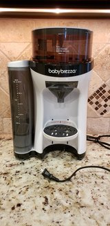 baby brezza   bottle maker in Warner Robins, Georgia