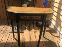 Kirklands Entry table with drawer in Pleasant View, Tennessee