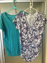 Maternity t-shirts Sz XL in Pleasant View, Tennessee