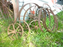 12 Antique Metal Wheels in Fort Campbell, Kentucky