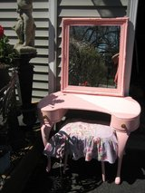 pink vanity ,mirror and stool vintage in Naperville, Illinois