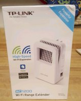 NIB-TP-Link AC1200 Gigabit Wireless Range Extender - MAKE ME A REASONABLE OFFER! in Cary, North Carolina