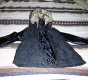 NICE Steve Madden GIRL'S JACKET w/ Faux Fur on Hood, Size 5/6 in Alamogordo, New Mexico