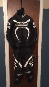alpinestars motegi sport 2-piece riding suit size 38 in Fort Bragg, North Carolina