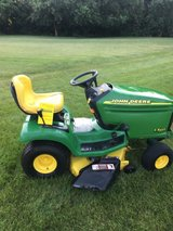 JOHN DEERE LX255 COMPLETE PACKAGE TRACTOR BAGGER AND SNOW/DIRT BLADE CLEAN 1 OWNER in Sandwich, Illinois