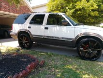 2000 chevy blazer on 24's ( mint ) in Bellaire, Texas