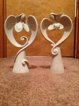 2 angel statues in Fort Campbell, Kentucky