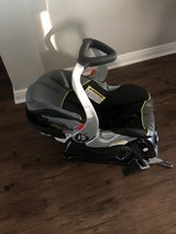 Baby stroller and car seat set in Fort Hood, Texas