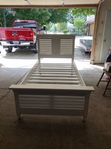 Twin trundle bed in Sandwich, Illinois