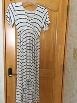 High low strip dress size S, colored short dress size L in Okinawa, Japan