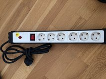 6 receptacle 220V power strip with surge protection in Wiesbaden, GE