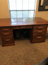 wood desk in great shape in Kingwood, Texas
