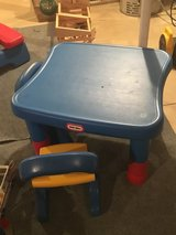 Little tikes Table and chairs in DeKalb, Illinois